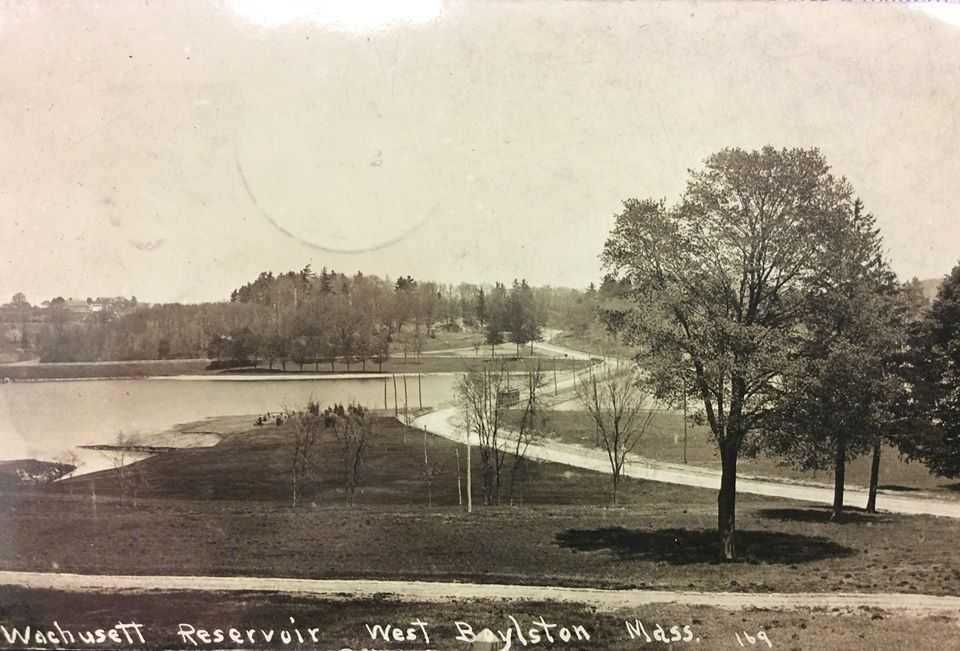 Image of a postcard of the finished reservoir